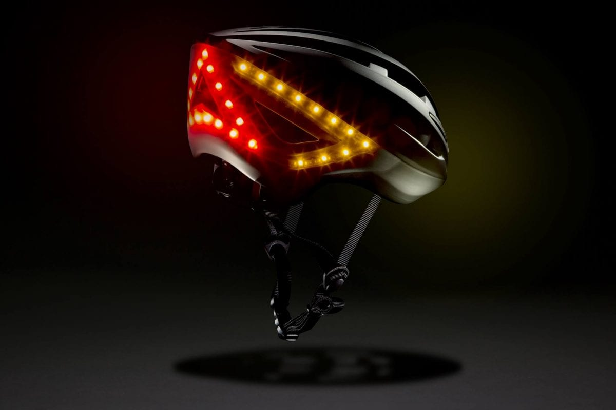 Lumos helmet with built-in indicator and brake lights