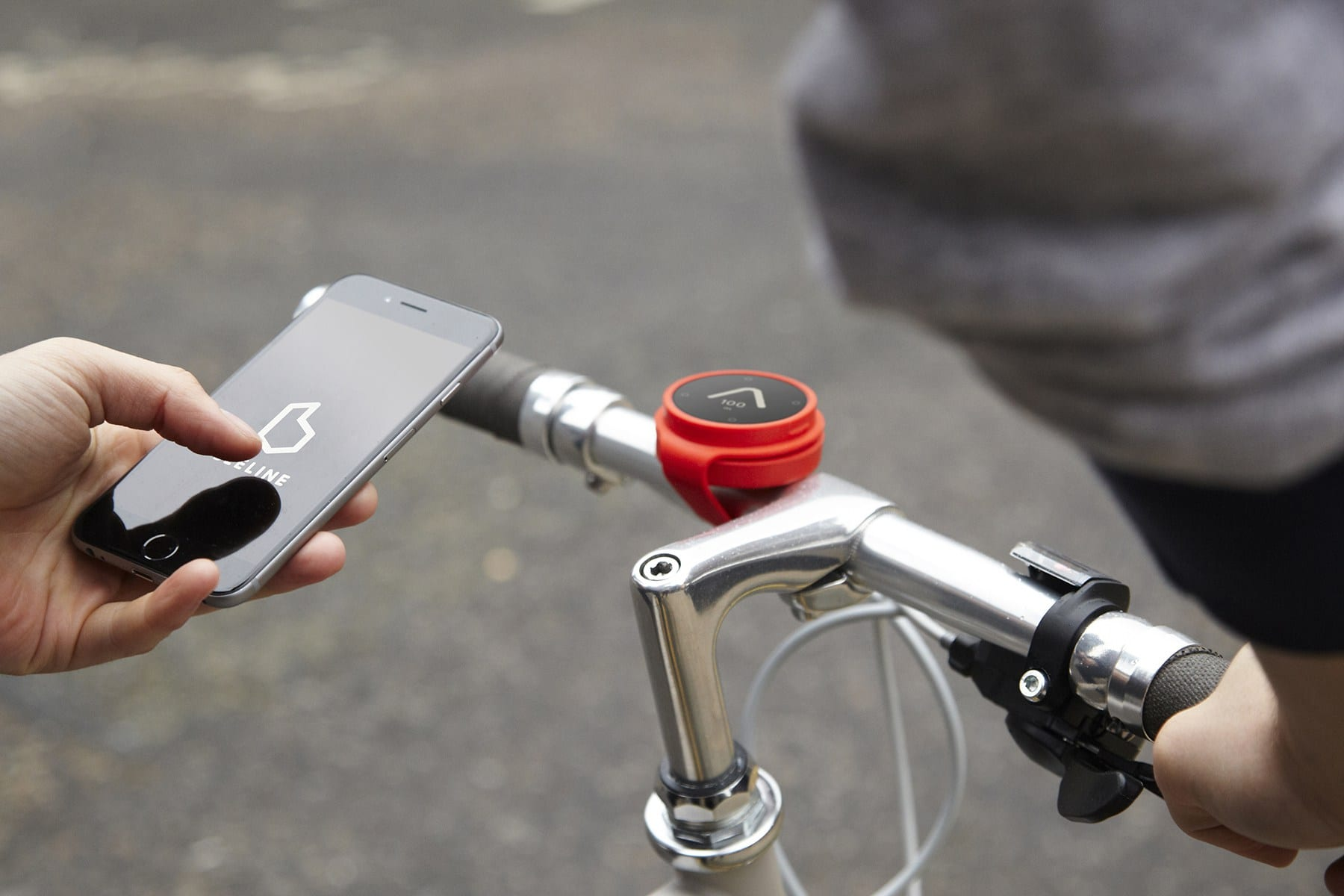 Beeline Smart Compass points the way for city cycling